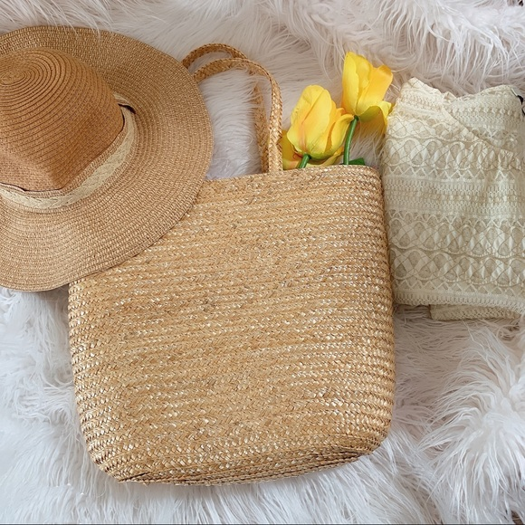 unbranded Handbags - Straw beach tote and hat combo/bundle ☀️☀️☀️